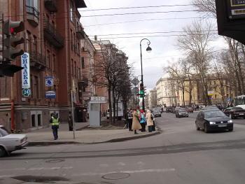 Петроградская. Большая Монетная 10.