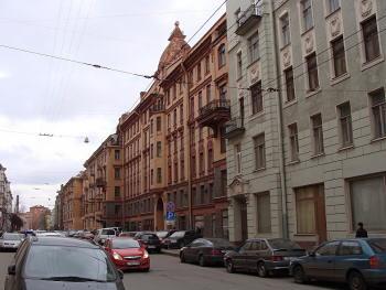 Петроградская. Большая Монетная 21, 23.