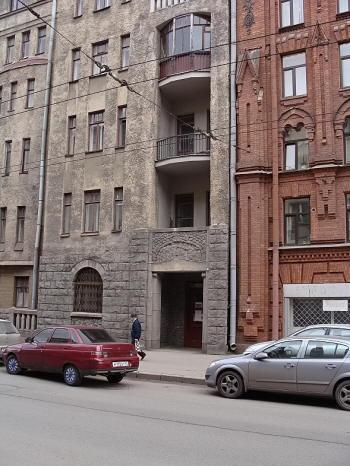 Петроградская. Большая Монетная 32, 34, 35.